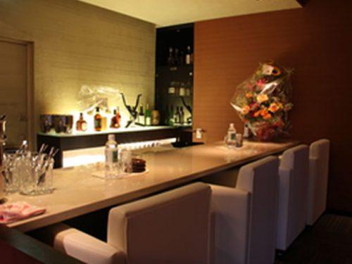 中洲の夜景が楽しめる中洲のクラブ「会員制ロゼア」