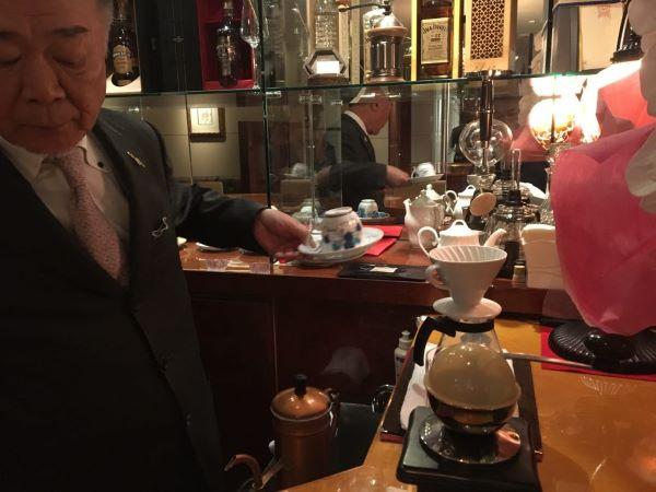 中洲のクラブ「パレロワイヤル」の社長のコーヒー3
