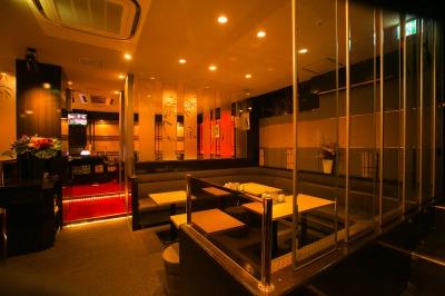 中洲や九州各地で店舗展開中のMLHグループのキャバクラ