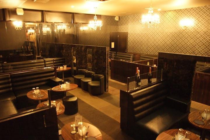 中洲にあるおしゃれなキャバクラClub Ritz